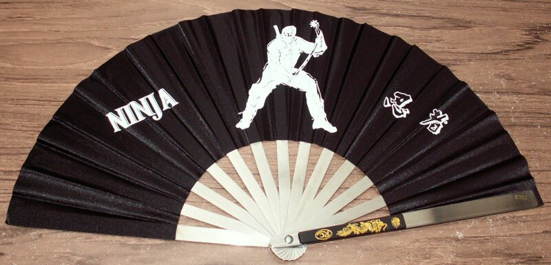 Wachlarz z motywem Ninja